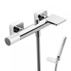 TRES - Vanová bateries kaskádou. Ruční sprcha snastavitelným držákem, proti usaz. vod. kamene. Flexi hadice SATIN. (20017001BL)