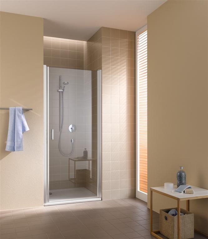 Kermi Kyvné dveře Cada XS 1WR 09020 860-910/2000 stříbrná vys.lesk ESG čiré Clean 1-křídlé kyvné dveře s panty vpravo (CC1WR09020VPK)