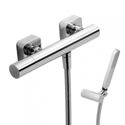 TRES - Jednopáková sprchová baterieRuční sprcha snastavitelným držákem, proti usaz. vod. kamene a flexi hadice SATIN. (20016701)