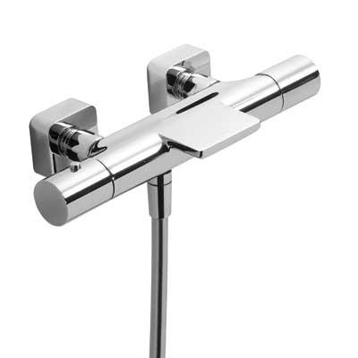 Termostatická baterie pro vanu–sprchu LOFTs kaskádou. Přepínač zabudovaný v regulaci průtoku. (20017401)