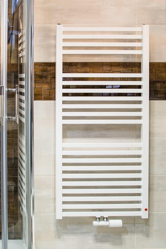 ISAN - Koupelnový radiátor QUADRAT bílý (RAL9016) 1755/500 SP (DQUA17550500SM01)