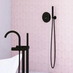 Sprchová souprava, černá mat (držák ruční sprchy s přívodem vody, ruční sprcha, plastová hadice) (100 1670 S) - STEINBERG, fotografie 4/5